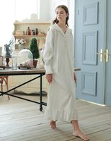2016New spring&summer Vintage style 100%cotton V neck bedgown,White long section Ankle Length nightdress,ruffles shirt vestidos