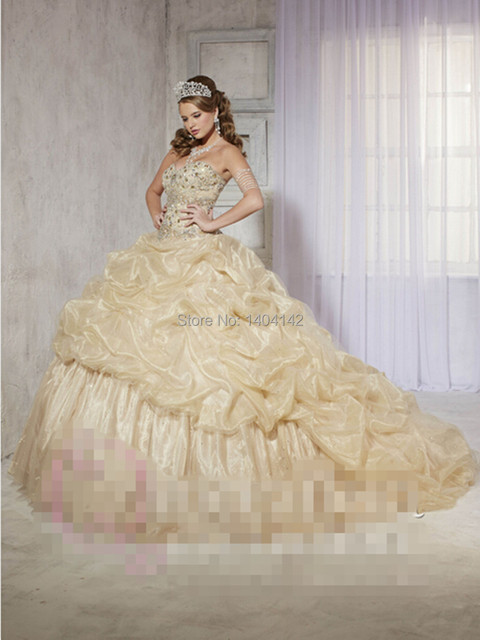 1cdc2edc11 Gorgeous Champagne Organza Beading Sweetheart Girls Dresses Ball Gown  Quinceanera Dresses Vestido De Debutante Para 15 Anos
