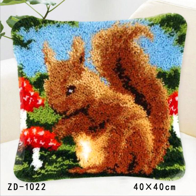 Squirrel Latch Hook Rug Kits Embroidery