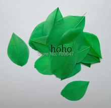 100Pcs/lot!3-5cm LOOSE Kelly Green/Dark Green Trimmed Goose Feathers,Feather Petals,Green Feathers,trimmed feathers,DIY feathers