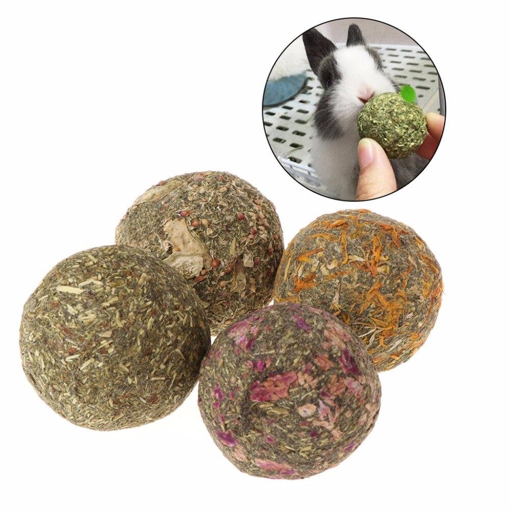 2pcs font b Pet b font Hamster Chew Teeth Grinding Ball Natural Grass Play Toys For
