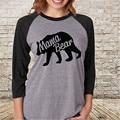2016 Nova Moda Das Mulheres Ocasional Carta Mamãe Urso Bonito Dos Desenhos Animados Manga Longa Cinza T-shirt Das Senhoras Camisa Top Solto Pulôver de Algodão