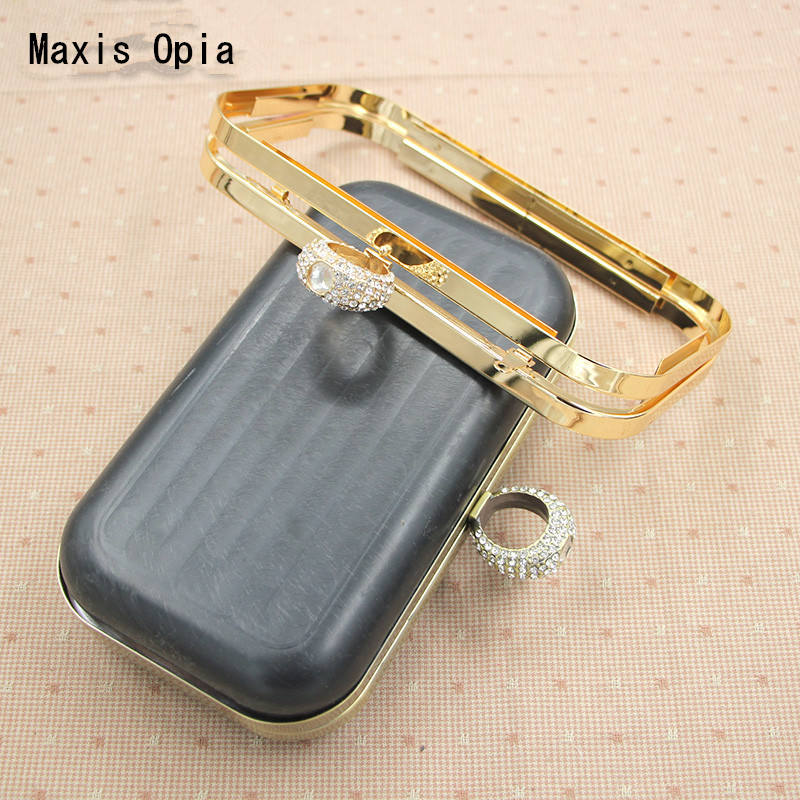 One Piece 18X10 Cm Metal Purse Frame With Black Plastic Box Clutch Frame Anse De Sac En Cuir DIY Handbag Accessories Obag Handle