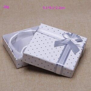 Image 2 - 2016 Free Shipping New 30 Cái/lốc Vòng Đeo Tay Màu Trắng Bangle Xem Gift Box Trường Hợp 9*9*2.2 cm THỜI TRANG