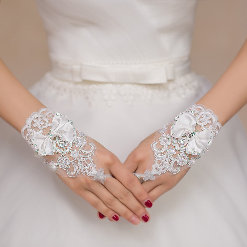 White Or Ivory Fingerless Lace Beading Short Wedding Gloves Accessories Wrist Length Appliques Sequins Bow Bridal Bride Gloves