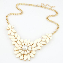 Diomedes 1PC Fashion Rhinestone Flower Resin Statement Necklace Pendant #30 Gift