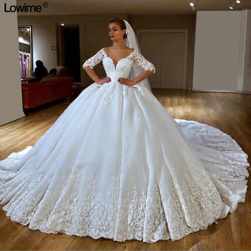 Lowime Customized Ball Gown vestido de noiva Half Sleeves Sexy V Neck Lace Wedding Dresses Chapel Train Bridal Gowns With Veils