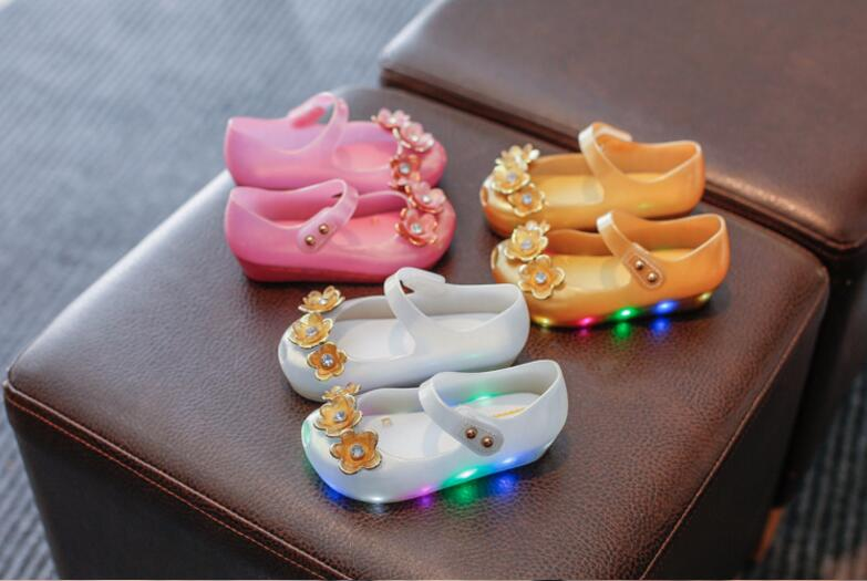 Girls Sandals New Arrive Baby Gilrs Jelly Sandals Rainbow Led Lights Baby Girls Shoes Flowers Princess Girls Sandals Shoes
