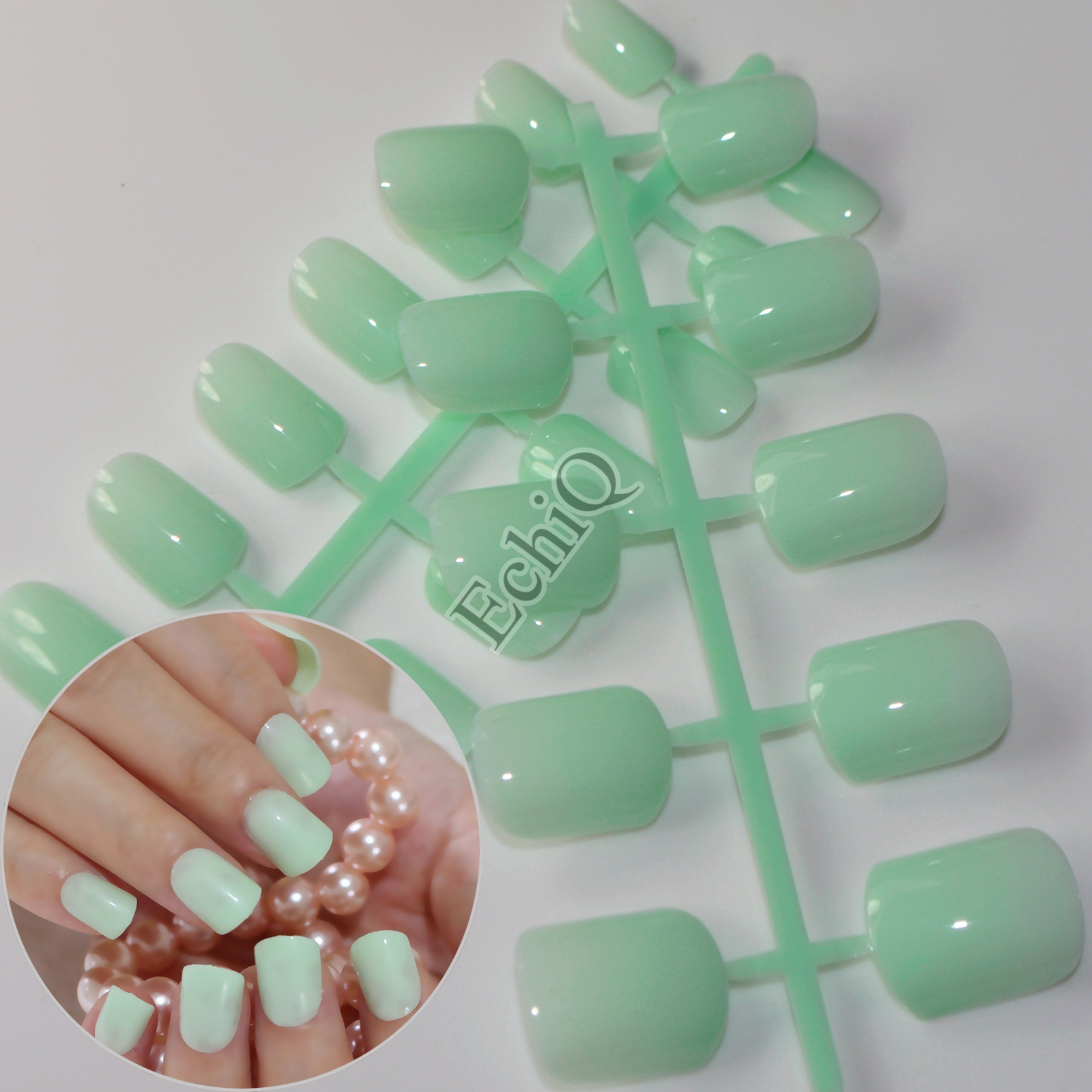 24pcs Light Green Medium Nail Fashion Lady False Nails Simple Design Fake Nails Art Press On Nails 426