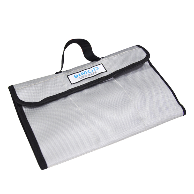 305*200mm Fireproof storage bag explosionproof safe Protector Box Heat Resistance Radiation protection Pocket for Lipo battery spark storage bag portable carrying case storage box for spark drone accessories can put remote control battery and other parts