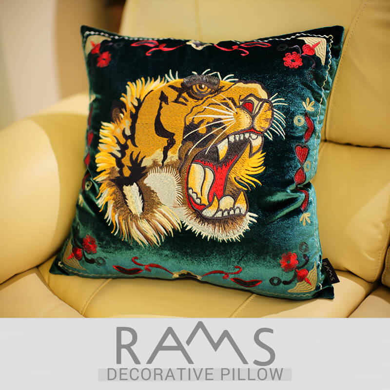 American pillowcase model room retro waist pillowcase velvet embroidery flower tiger cushion cover Home Decorative