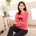 2016 nuevas mujeres del otoño de pijamas conjuntos de las muchachas del punto de polca lindo perro impreso camiseta de manga larga y pantalones ropa de noche del envío libre