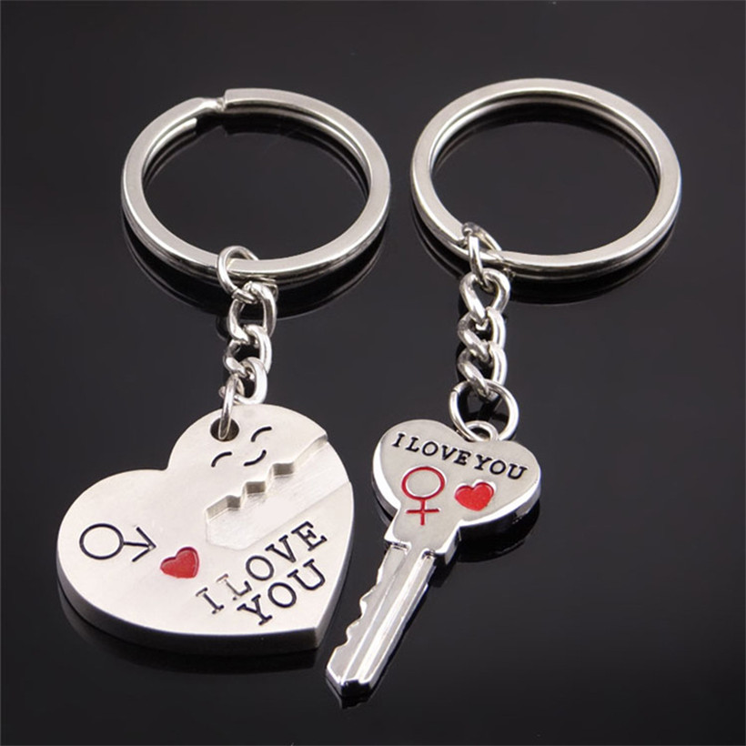 Girl couple keychain material car key chain metal gift for boyfriend wholesale keychains for