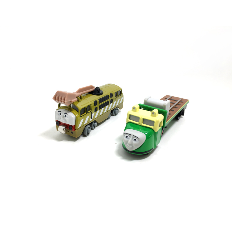 T0158 Diecast Magnetic THOMAS and friend DIESEL10 and Medzh The Tank Engine take along t ...