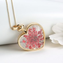 5 PCS Heart Lockets Necklaces Pink Dried flowers Transparent Heart Glass Necklaces Pendant Gold Chain Necklace For Women