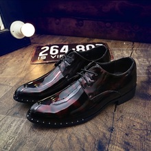 2017 New Arrival Vintage Men Business Shoes Patent Leather Pointed Toe Dress Shoes Mens Wedding Calcados Black Blue Burgundy
