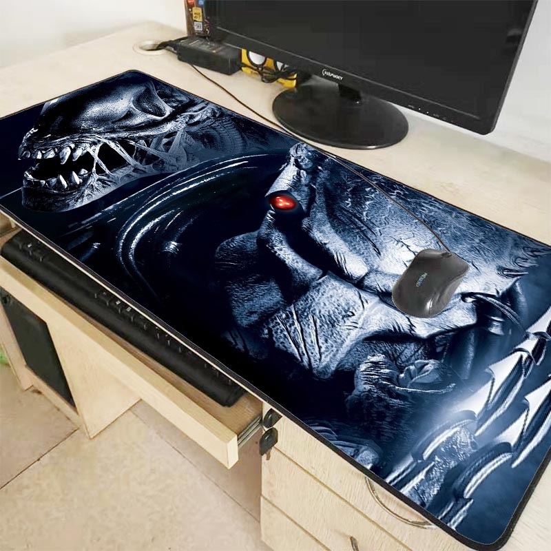 Mairuige  Predator Movie Keyboards Mat Rubber Gaming Mousepad Desk Mat Customized Laptop Gaming Large Locking  Edge Mouse Pad