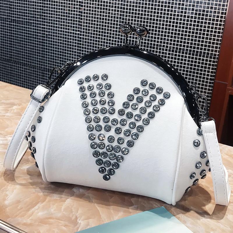 Sac coquillage femme 2019 nouvelle mode Mini sac à bandoulière Simple diagonale Rivet chaîne sac Designer sacs à main de haute qualité