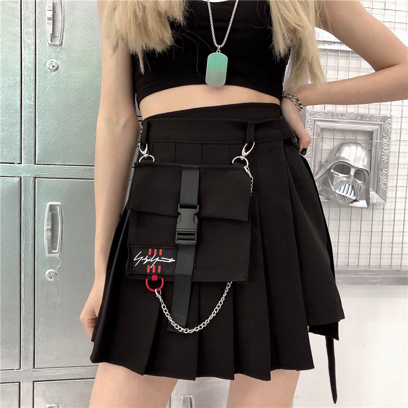 Spring Pleated A-line Streetwear Women Mini Skirts Plaid Black Pockets Chain Female Short Skirt 2020 Summer Vogue Femme Bottom