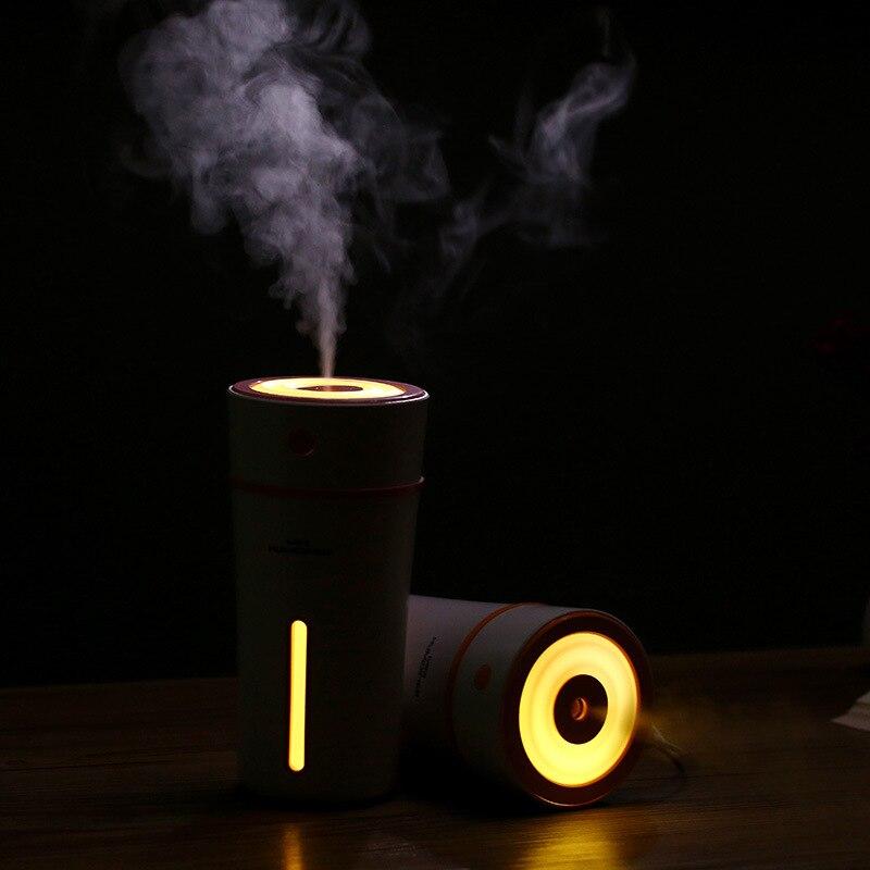 Wiederaufladbare Tragbare Luftbefeuchter 300 ml Farbe Tasse Mini Auto Luftbefeuchter mit LED Lampe 500mA eingebaute Lithium-Batterie