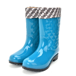 Rouroliu Women Non-slip PVC Rain Boots Waterproof Water Shoes Woman Wellies Mid-Calf Rainboots Winter Warm Inserts  RT171 3