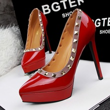 Women Platform Pumps Rivet Shoes Retro High-heel Ladies Rivets Fashion Sexy Club High Heeled Stiletto Pump Chaussure Femme