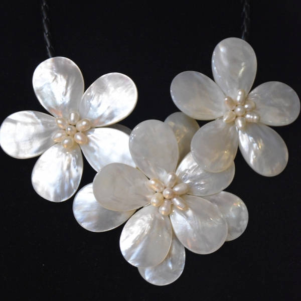 Free shipping!!!2017 new DesignFreshwater pearl  Sea shell flower choker necklace fashion mop jewelry