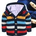 Новый 2015 осень зима одежда для новорожденных мальчиков и девочек хлопка полосатой свитера дети плюс бархат кардиган с капюшоном пальто