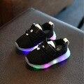 Novo estilo meninos luminosas sandálias sola menina sneaker trainer bebê crianças instrutor com LED em torno das crianças sapatos confortáveis