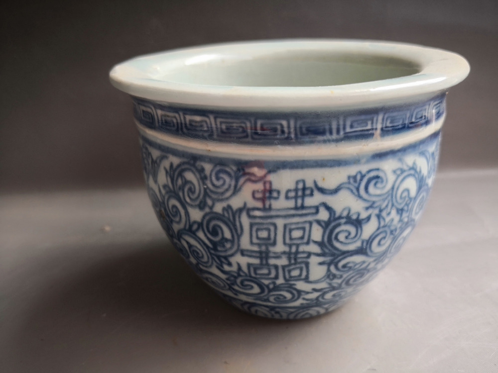 Chinese old porcelain Blue and white Porcelain VAT Jars Small plant flowerpot
