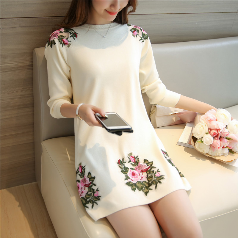 2016 Hitz long section round neck sweater embroidered peony hedging