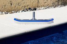 Щетка для бассейна 18 дюймов (изогнутая) с алюминиевой основой