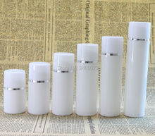 30Ml 50Ml 80Ml 100Ml Plastic Airless Fles Met Zilveren Lijn Lege Cosmetische Containers Witte Dop Cosmetische verpakking 10 Stks/partij