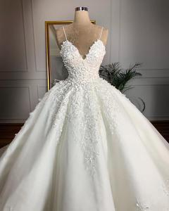 Image 2 - Robe de mariée Vintage en dentelle à motifs floraux, col en v, robe de mariée romantique, grande taille, à lacets