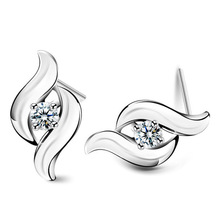 цена 100% 925 sterling silver fashion shiny crystal female stud earrings jewelry wholesale Anti allergy women gift в интернет-магазинах