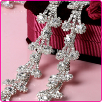 Beautiful fashion style crystal rhinestone cup chain trim with crystals in sliver