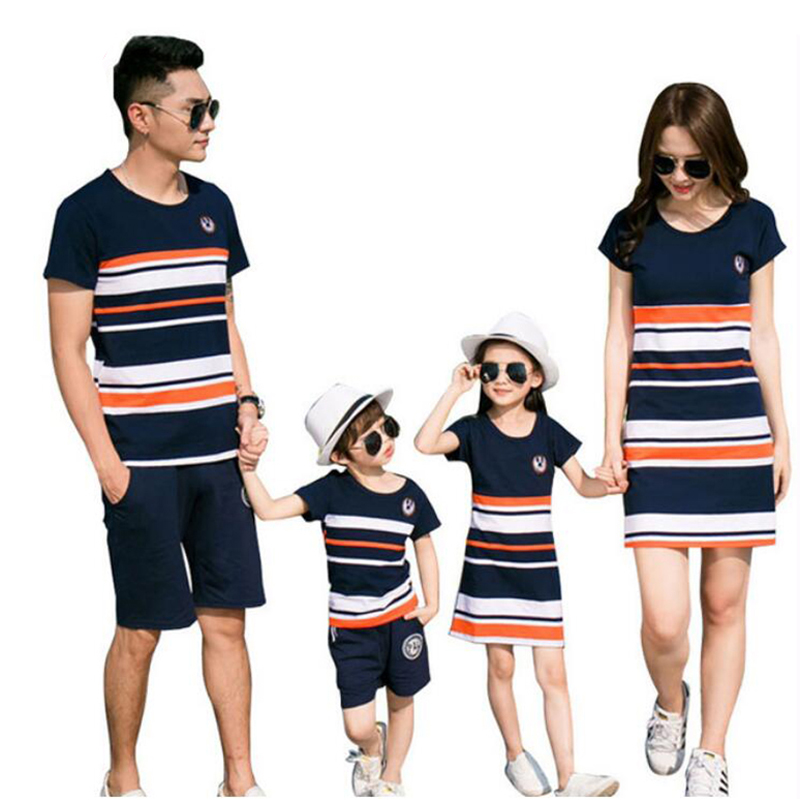 Family Matching Outfits 2018 Summer Fashion Striped T-shirt Outfits Mother And Daughter Dresses Father Son Baby Boy Girl Clothes