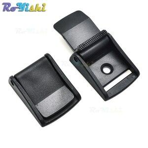 Boucles à caméras en plastique noir 1