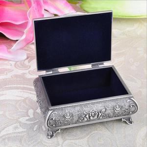 Image 3 - Wysokiej jakości pudełko z biżuterią ze stopu cynku metalowy futerał na drobiazgi Vintage Flower rzeźbiony projekt szkatułka na biżuterię pudełko