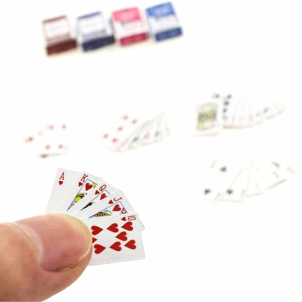 1 Set Mini 1:12 Dollhouse Miniatures Poker Decorazione Domestica Poker Carte Da Gioco Gioco Per Bjd Kurhn Doll Accessori