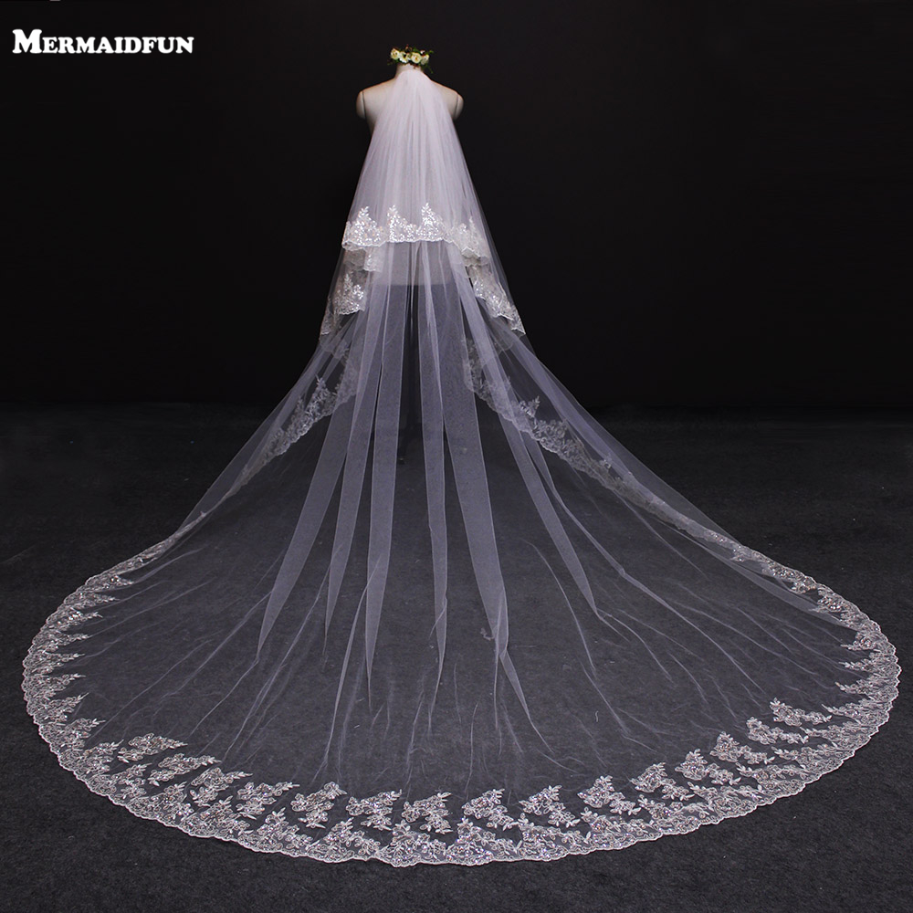 2019 Nye To Layer Bling Sequined Lace Edge 3 Meter Lang Wedding Veil med Comb 2T Bridal Veil Voile Mariage