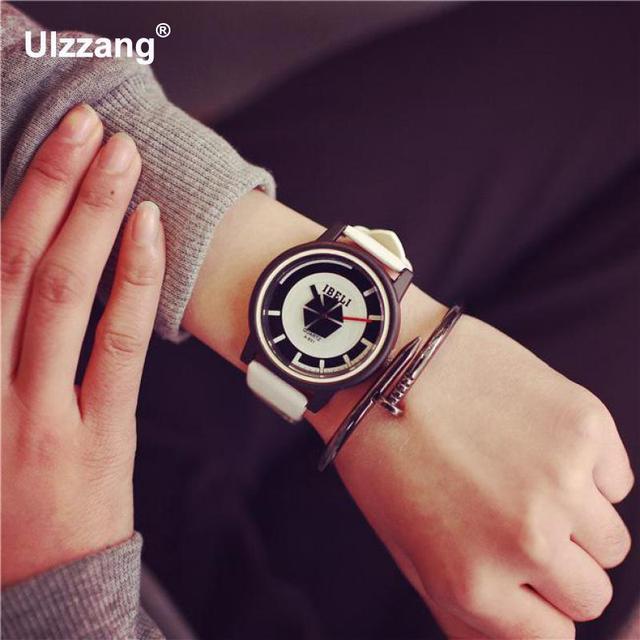 One Piece PU Leather Quartz Wristwatch