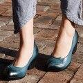 Primavera e no outono sapatos femininos de couro genuíno sapatos feitos à mão vintage saltos grossos saltos altos sapatos casuais confortáveis