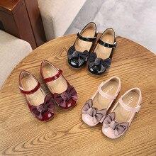Кожаная обувь для девочек; детские сандалии принцессы; модельные школьные модные летние детские черные плоские резиновые кроссовки с амортизацией для свадьбы