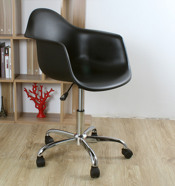 swivel office chair with wheels carpet mat no lip modern design plastic and steel computer 5 wheel shell gas lift