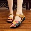 2017, лето, новый мать сандалии мягкое дно противоскольжения квартира с среднего возраста моды сандалии плоские удобные женские туфли 35 41