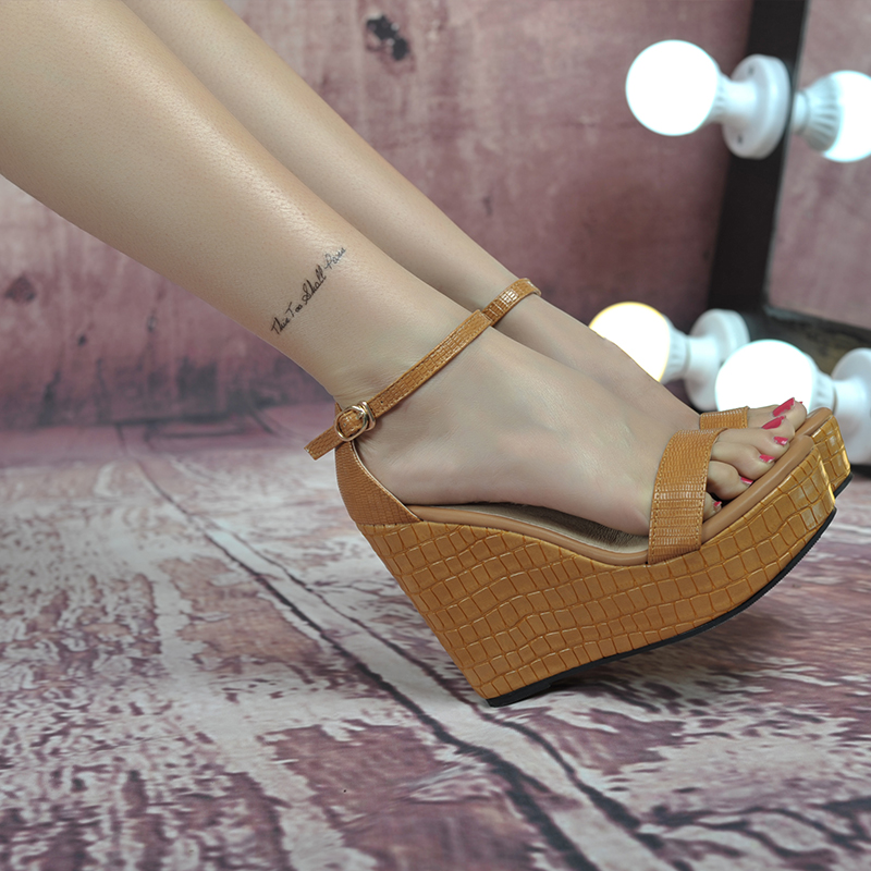 Summer 2016 Platform Sandal Waterproof Black High Heeled Shoes Female Buckle Plus Size 41 Small 30