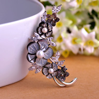 Luxurious Natural Sea Black Lip Shell Flower Brooch White Pearl Jewelry Crystal Prong Setting Rhinestones Brooches For Women Pin
