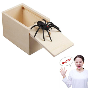 Funny Scare Box Wooden Prank Spider Hidden in Case Great Quality Prank-Wooden Scarebox Interesting Play Trick Joke Toys Gift(China)