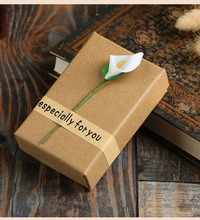 hot deal buy 2018 new high quality 5 pack/lot 5.7x8.5x2.8 cm kraft favour paper jewelry boxes with white lily ring necklace pendant box